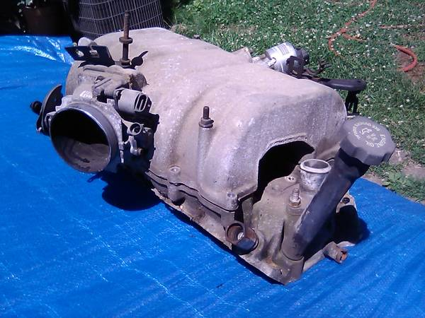Photo 1998 Chevy 454 L29 complete upper aluminium EFI intake (southern in)