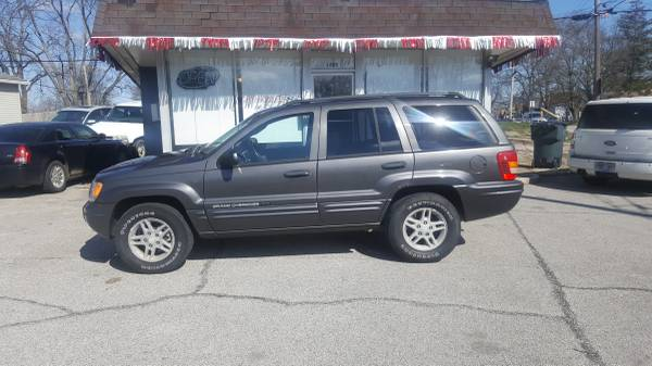 Photo 2004 Jeep Grand Cherokee, 4x4, Runs Great Leather ONLY $2950 - $2950 (Downtown Motors 1400 State St. New Albany, IN)