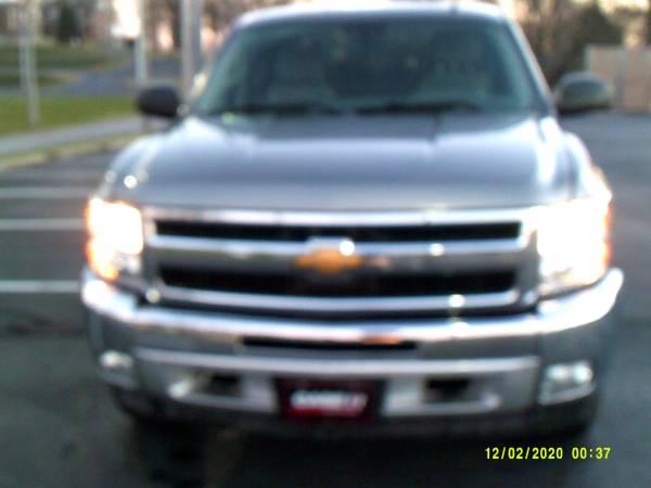 Photo 2012 CHEVY SILVERADO--83K MILES-ALL STAR EDITION-EXT CAB-4X4 - $13,975 (Santa Claus,IN)