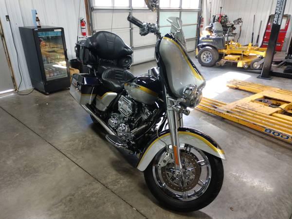 Photo 2012 Harley Davidson Ultra CVO - $9,500 (Lanesville)