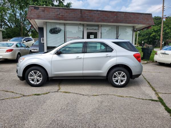Photo 2013 Chevy Equinox AWD, Runs Great Cold Air Gas Saver Extra Clean - $7,995 (Downtown Motors New Albany)