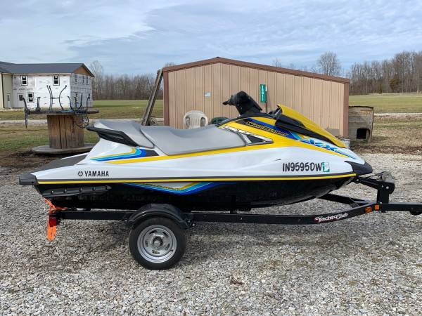 Photo 2016 Yamaha Waverunner vx - $7500 (Nabb IN)