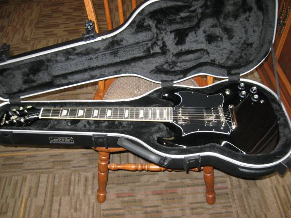 Photo 2018 Epiphone SG 400 PRO with SKB Case - $400 (Georgetown, In)