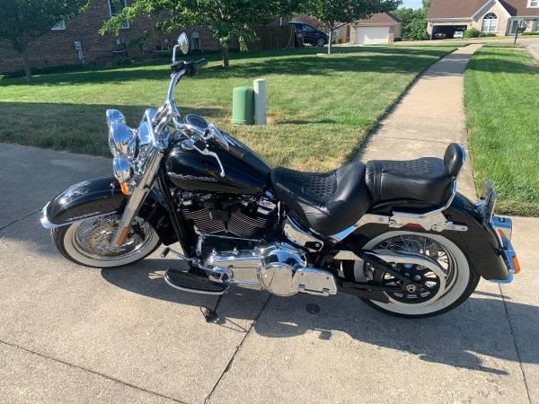 Photo 2018 Harley Davidson FLDE Soft Tail Deluxe - $16,250 (Louisville)