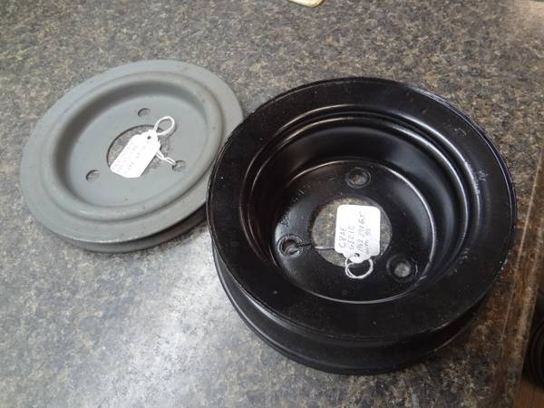 Photo 2- 1968 FORD 390 GT CRANK PULLEYS - $40 (Shepherdsville)
