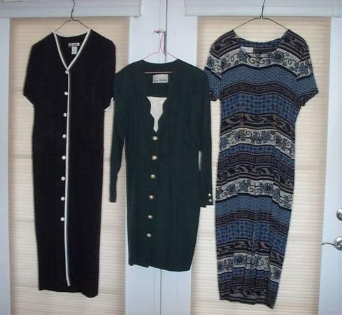 Photo 3 WOMENS DRESSES LONG  SHORT SIZE 6-8 - $7 (CRESTWOOD)