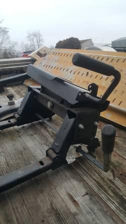 Photo 5th wheel  Gooseneck adapter - $345 (Georgetown IN)