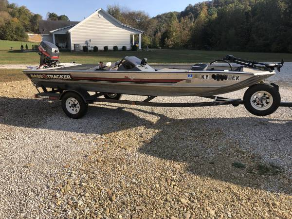 Photo Boat for Sale - Bass Tracker Pro 17 - $3,000 (Hodgenville)