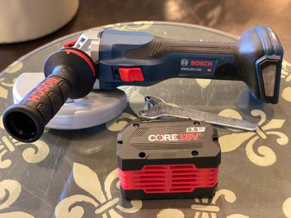 Photo Bosch 18V 5-6quot Brushless Cordless Angle Grinder W8Ah Battery - $300 (Lyndon)