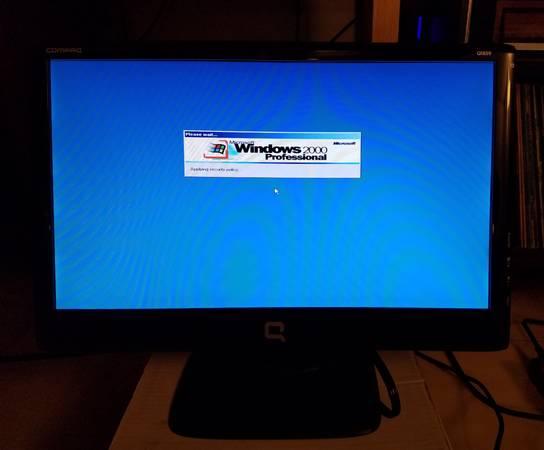 Photo Compaq Q1859 18.5 inch monitor - $20 (new albany, in)
