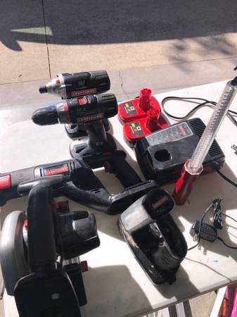 Photo Craftsman 19.2 Volt Battery Power Tools - $75 (New Albany)