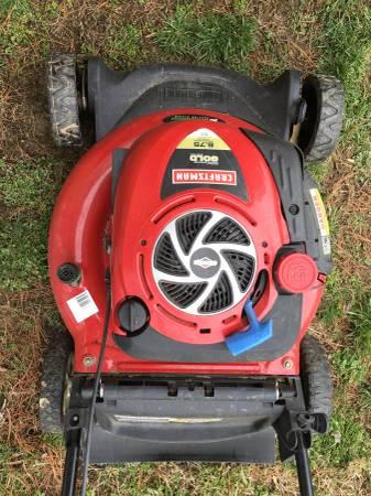 Photo Craftsman 6.5 hp Gold push mower - $65 (Jeffersonville)