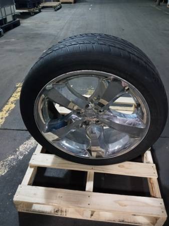 Photo DODGE CHARGER 20 INCH CHROME CLAD WHEEL - $250 (LOUISVILLE KY.)