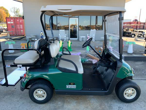 Photo EZGO electric 4 passenger golf cart with lights - $2985 (Lawrenceburg)