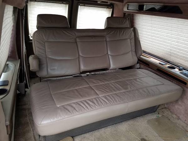 Photo Ford E150 E250 Conversion Van seat Sofa bed - $275 (Louisville)