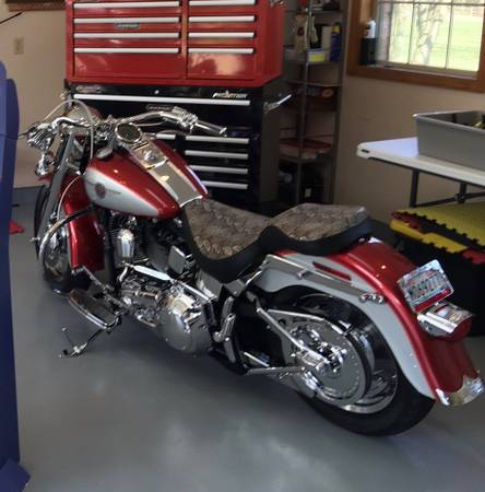 Photo Harley Davidson Fatboy (2004) - $10,000 (Trenton, OH)