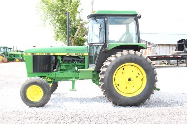 Photo John Deere 2950 Cab Tractor - $21,950 (New Castle , Ky)