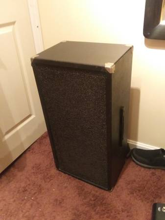 Photo Kustom 2x10 cabs they are 8 ohm - $100 (New Albany)
