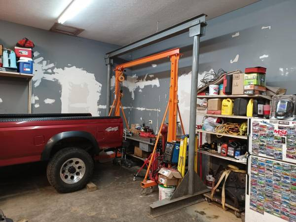 Photo Large Gantry Lift On 63939 Heavy Duty Casters - $1,500 (Bardstown, Ky)