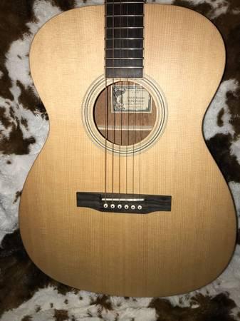 Photo Larrivee Willie Watson OM-01 Signature Guitar - $950 (Shelbyville)