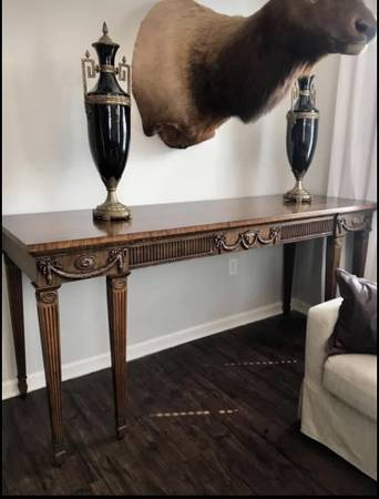 Photo Maitland Smith Entryway Table - $650 (Lake forest)