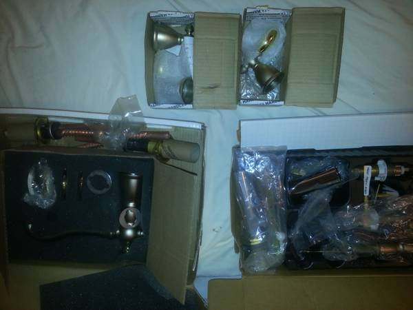 Photo New Delta Roman Tub  Whirlpool Faucet and Two Handle Lavatory Faucet - $300 (Dixie Hwy .)