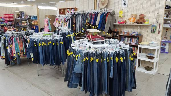 Photo New and used women39s and children39s clothing, coats, and shoes. Jeans - $10 (Jeffersonville, IN)
