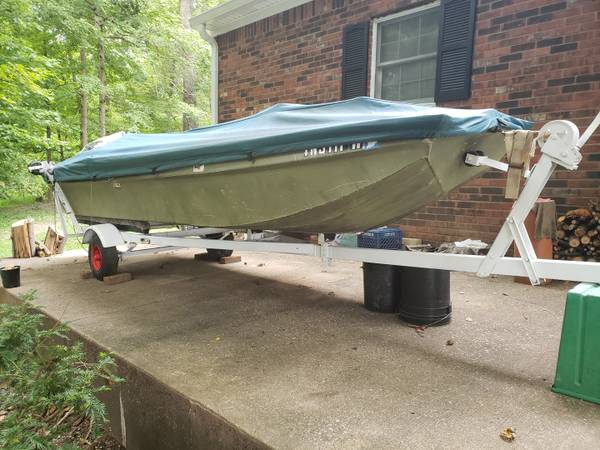 Photo Polar Kraft 1439 Aluminum Jon Boat, With Trailer, and Custom Cover - $1,200