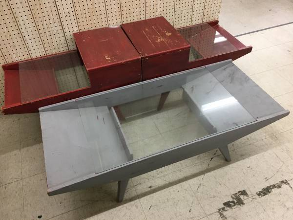 Photo Project piece Set of 3 Vintage Wood and Glass Tables - $30 (Jeffersonville)