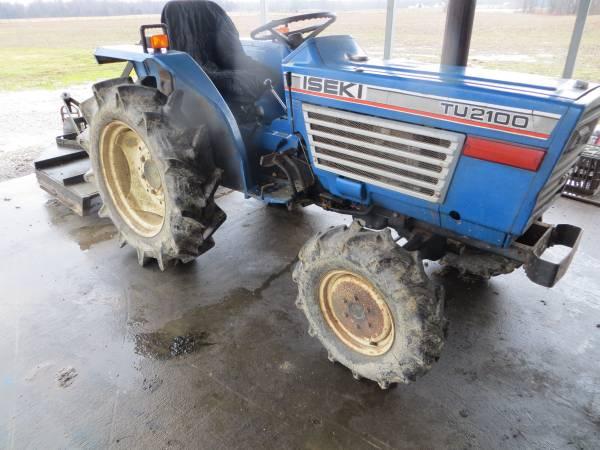 Photo REDUCED TU 2100 Iseki Tractor 4X4 Diesel (CROSS PLAINS , IN)