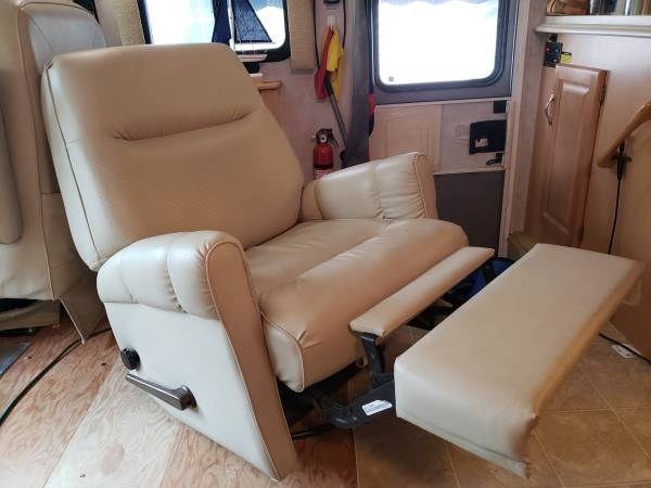Photo Recliner armchair for RV or home - $75 (Louisville)