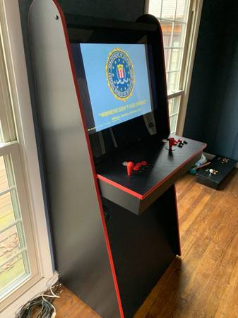 Photo Two Player Arcade Game Full-Size 32quot Over 7000 Games - $1,400 (Bowling Green)