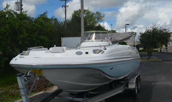 Photo VERY NICE Yamaha hurricane 201 quotFUN DECKquot boat - $26,500