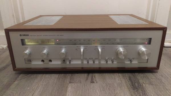 Photo Vintage Yamaha CR-620 Stereo Receiver - $180 (St.Matthews)