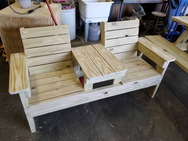 Photo two seater bench with table - $200 (carrollton)