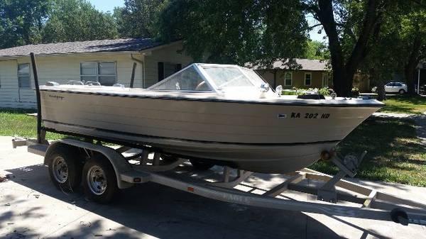 Photo 18 foot 1968 Century Buccaneer Boat - $1,800 (Topeka Kansas)