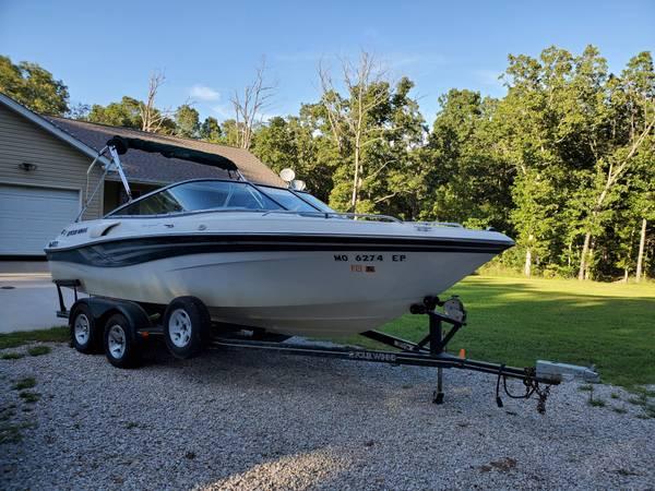 Photo 2000 Four Winns Horizon 210 21ft Open Bow Lake Boat LAKE READY - $10,500 (Saint James)