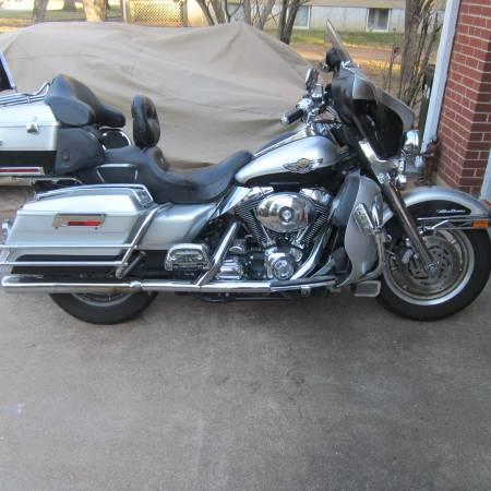 Photo 2003 Harley Davidson Electra glide Custom Classic anniversary edition - $8,500 (Saint Louis)
