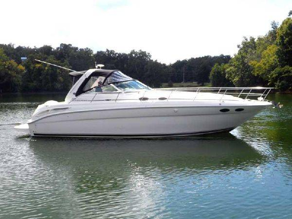 Photo 2004 Sea Ray 380 Sundancer Mint Condition Low Hrs Reduced $10k - $119,900 (Osage Beach)