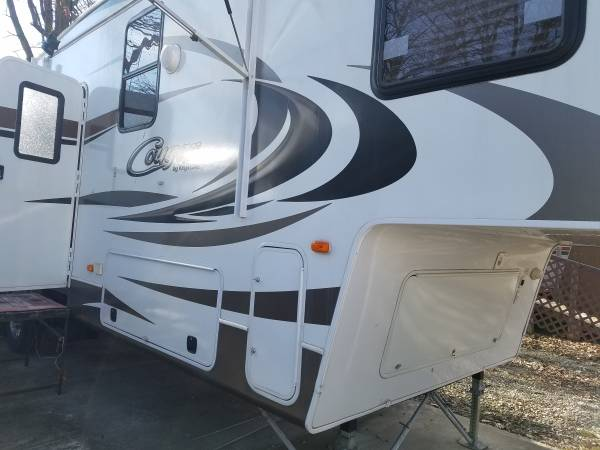 Photo 2014 Keystone Cougar 327Res - $24,000 (boonville)