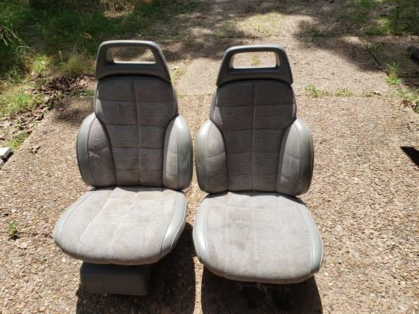 Photo 2- 1994 Jeep Cherokee electric seats - $150 (lake ozark)