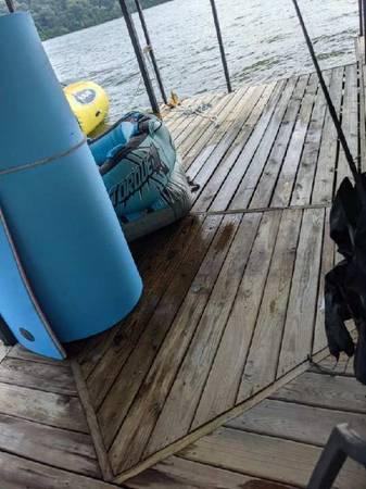 Photo 2 well boat dock - $5,500 (Barnett)