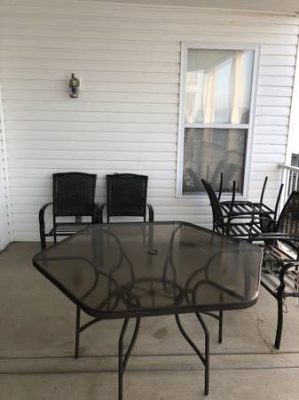 Photo 6 Chair Patio Set with Glass Top Table-FREE - $1 (Lake Ozark)