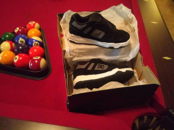 Photo Brand New DC StaG Shoes Youth Kids 11 - $40 (Lake oZark)