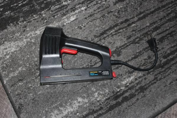 Photo Craftsman 68496 Electric Multi-Purpose Stapler Nail Gun - $19 (Camdenton)