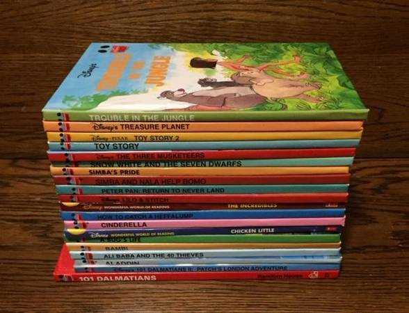 Photo Disney Wonderful World Of Reading Hardcover Books Lot of 20 - $15 (Saint Peters)