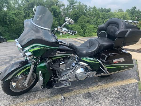 Photo Harley Davidson screening eagle ultra classic cvo for trade - $13,000 (Eureka)