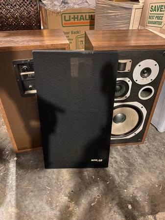 Photo Pioneer HPM-60 2 Speaker Set - $300 (Laurie, MO)