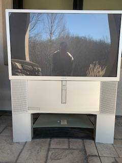 Photo Sony Big Screen TV with Stand (Roach)