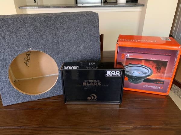 Photo 10 inch subwoofer  box and 500 watt  - $300 (Lubbock)
